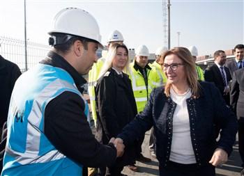 Bakan Pekcan, İstanbul Gümrük ve Ticaret Bölge Müdürlüğü ile Ambarlı Gümrük Müdürlüğü'nü ziyaret ederek, incelemelerde bulundu