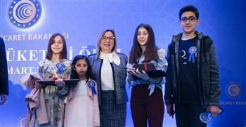 Bakan Pekcan, 22. Geleneksel Tüketici Ödül Töreni'ne katıldı.
